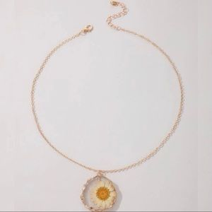 3/$30 💛 Dried Sunflower Charm Necklace